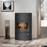 Justus Kaminofen (Zeitbrandofen) Agero W+ Stahl schwarz (7 kW)