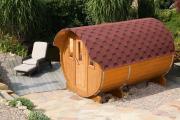 Wolff Finnhaus Holz Saunafass 330 montiert Dachschindeln schwarz (Ø205 x 330 cm)